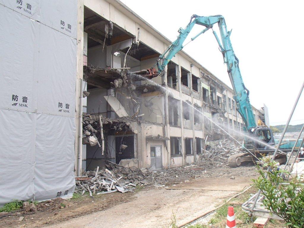 鳥取市立青谷中学校教室棟解体工事
