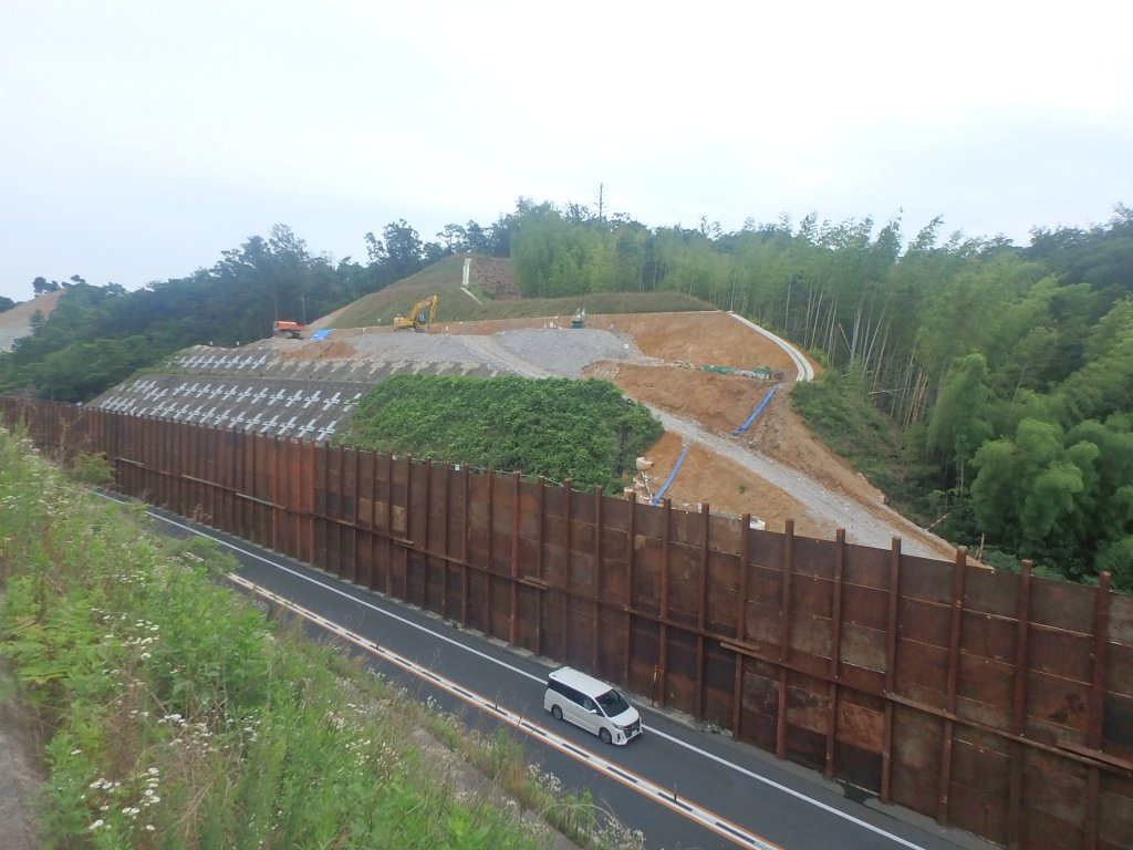 鳥取自動車道下味野第6改良工事